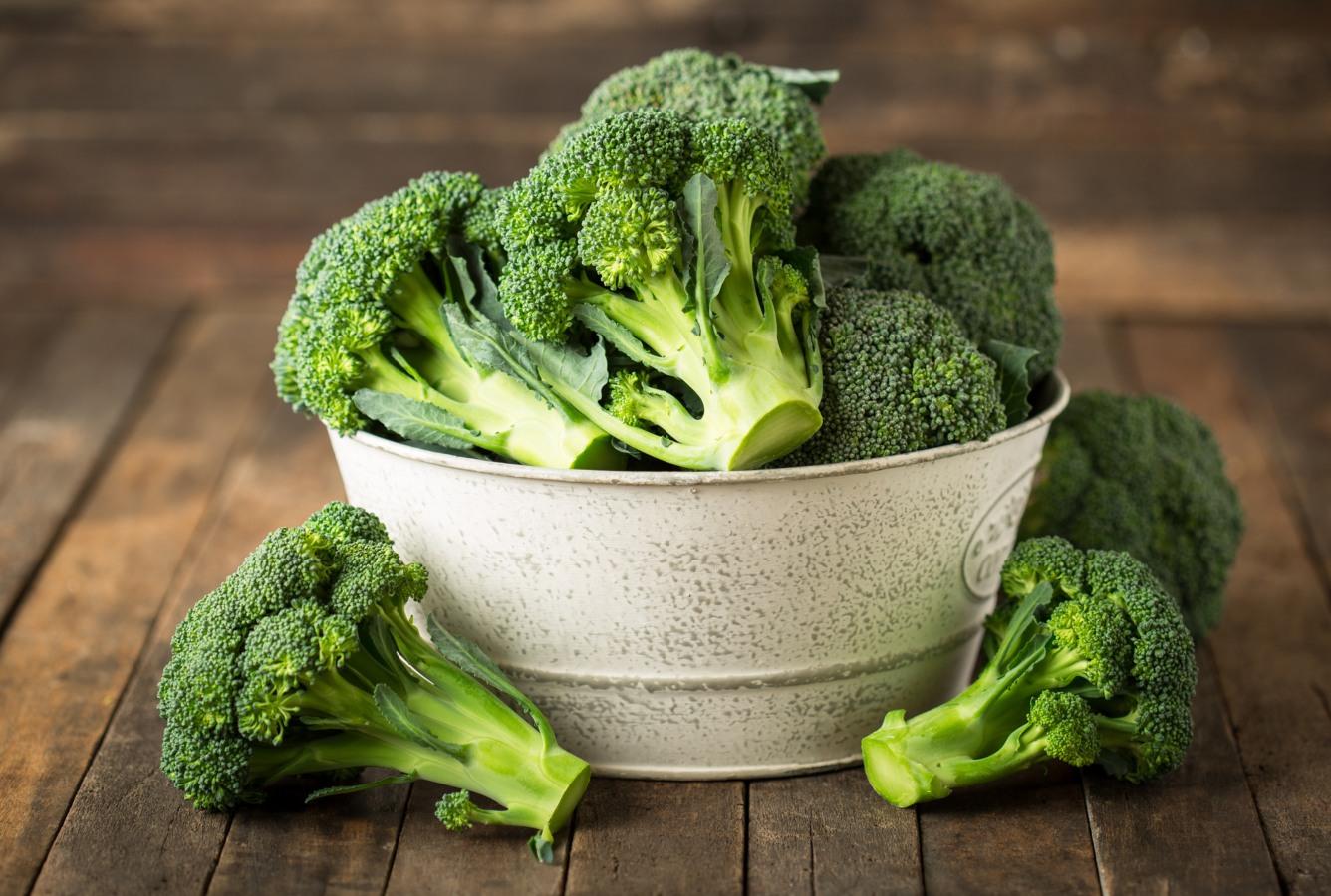 Caixa com bróculos