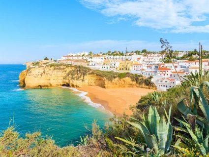 Vila do carvoeiro no Algarve