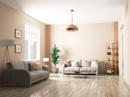 sala com chão de madeira
