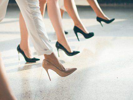 sapatos de tacões