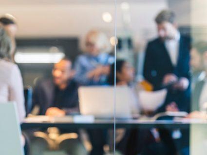 Estudo revela que 44% das empresas prevê aumentar contratações