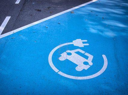estacionamento carros eletricos