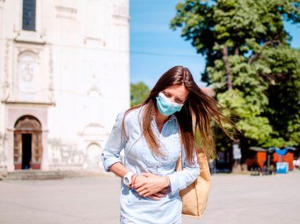 Mulher com gastroenterite viral