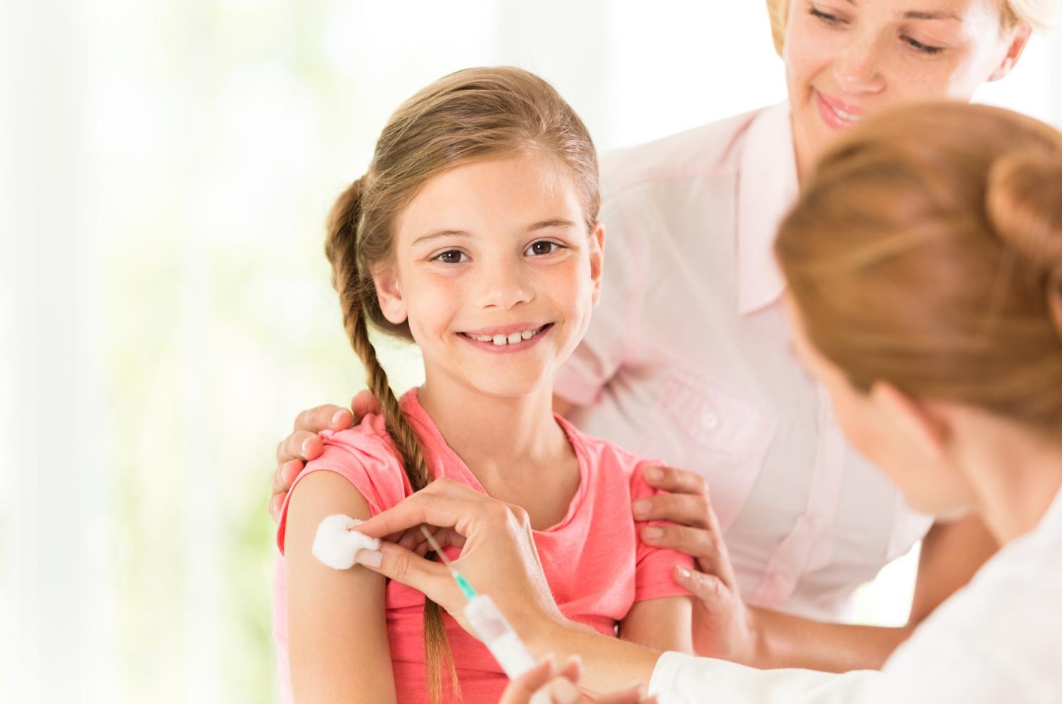 Criança a ser vacinada