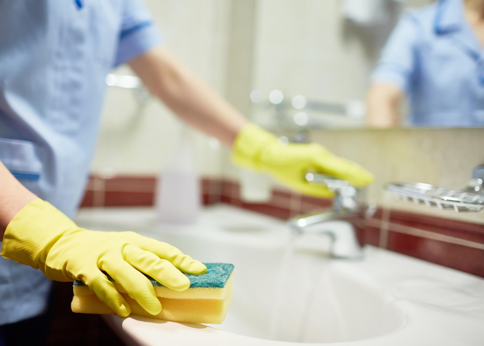 limpar casa de banho