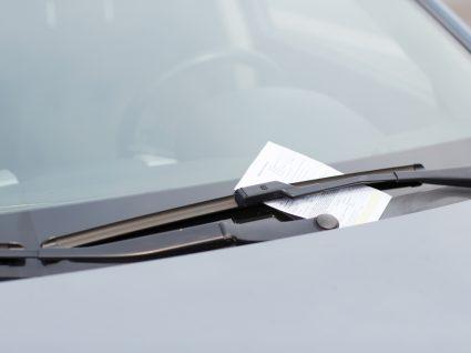multa de estacionamento num carro