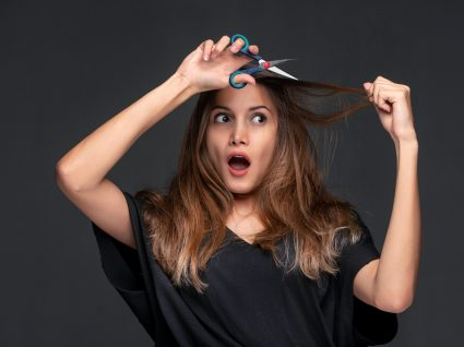 cabelos com pontas espigadas