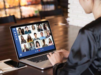 colaboradores em atividades de team building virtuais