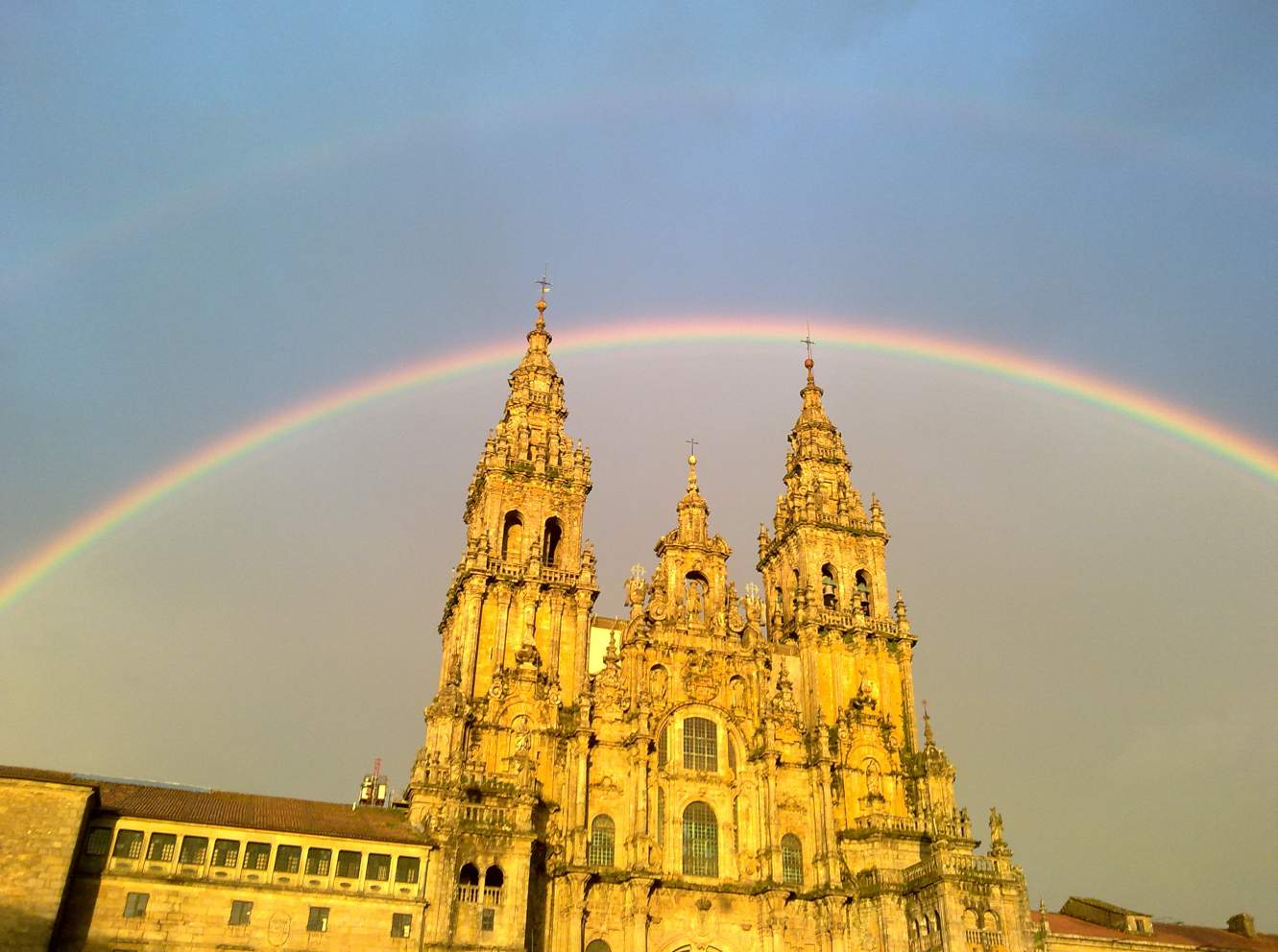 Arco-iris na catedral de compostela