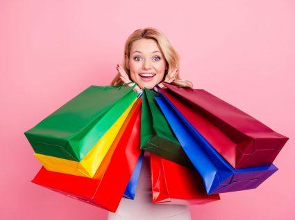 Oniomania a compulsão em fazer compras