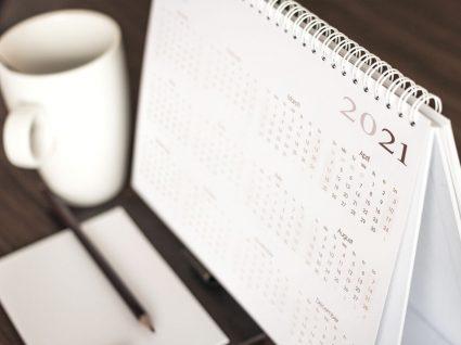 calendário de 2021 com feriados obrigatórios