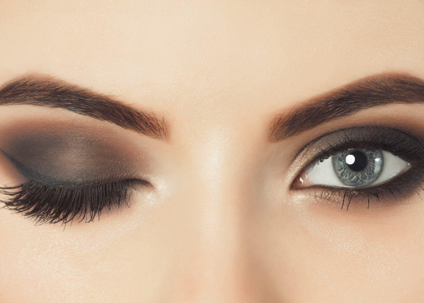 Olhos de mulher com maquilhagem