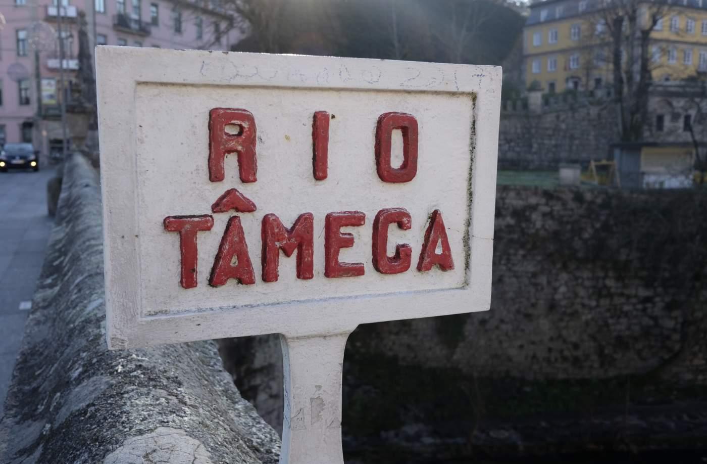 Placa do rio Tâmega