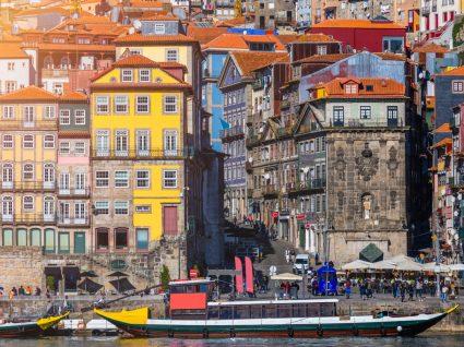 Imagem da zona ribeirinha da cidade do Porto