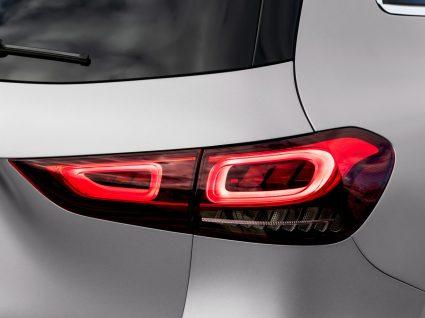 luzes novo Mercedes GLA