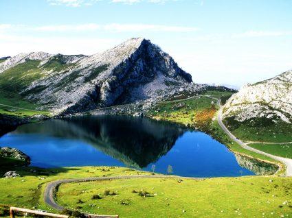 Montanhas dos Picos da Europa nas Astúrias