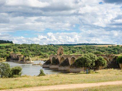 Ponte que liga Elvas a Olivença