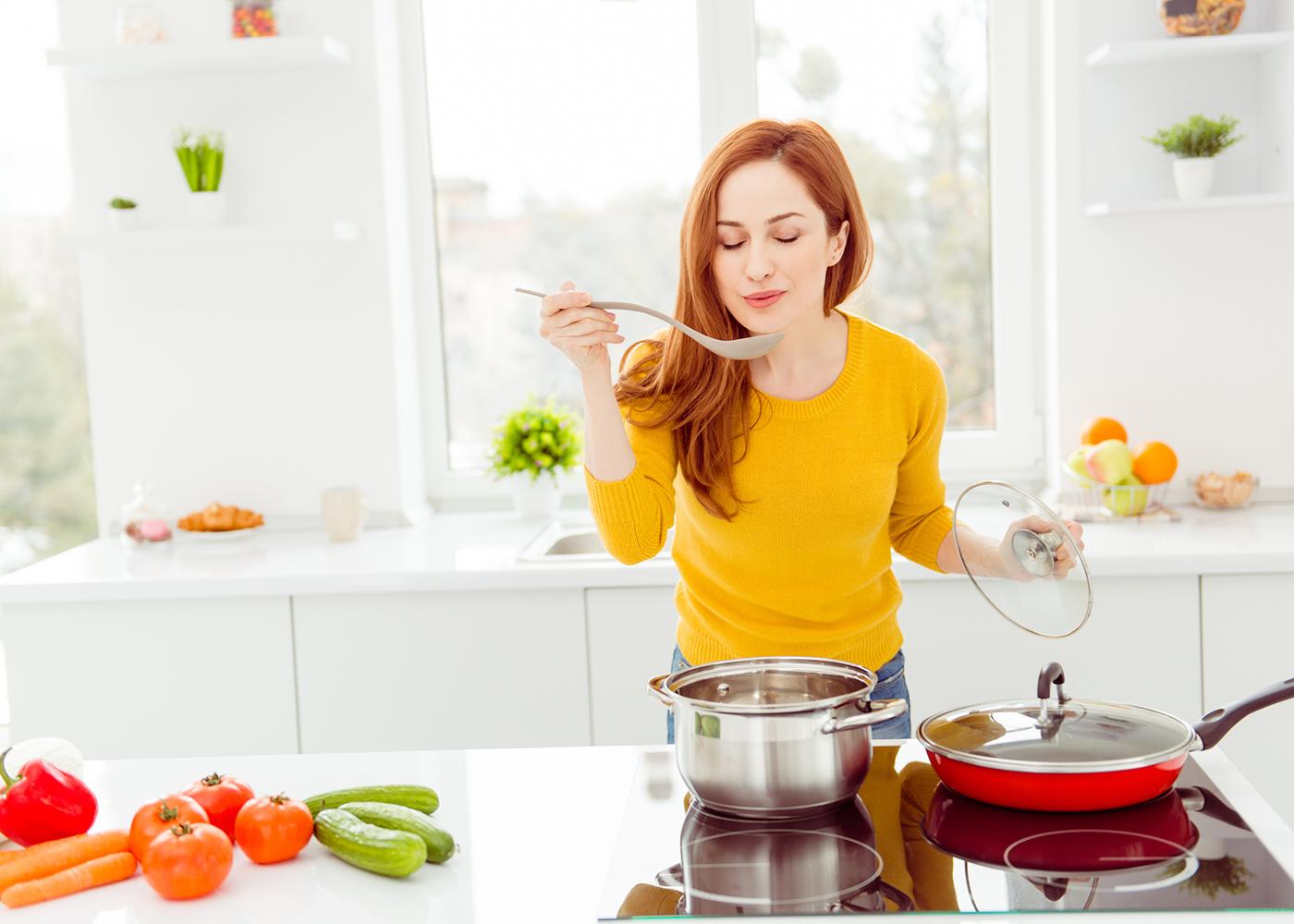mulher optou por não comprar a bimby e cozinha normal
