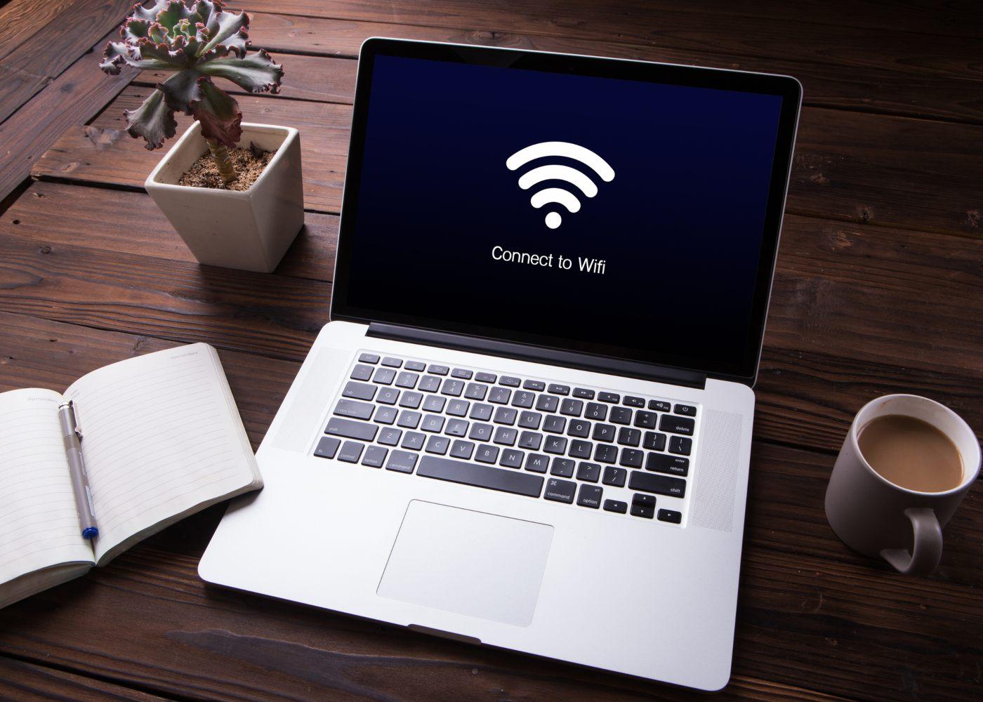 Computador ligado a rede wireless