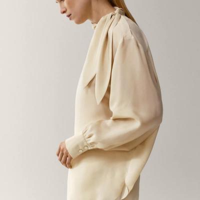 camisa seda branca