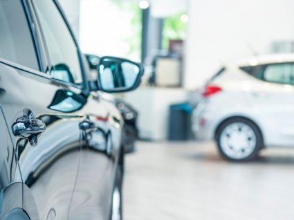 carros novos mais baratos num stand