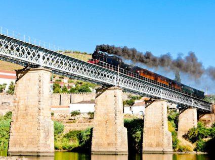Viagens de comboio no Douro