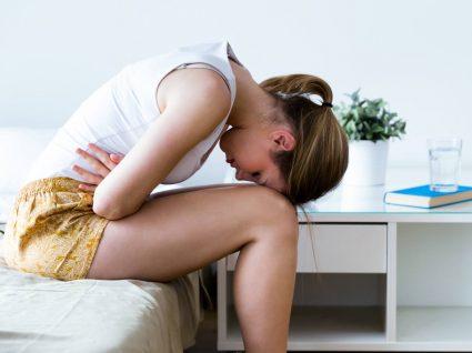Mulher com sintomas de long covid