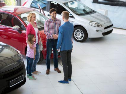 Família e comprar carro