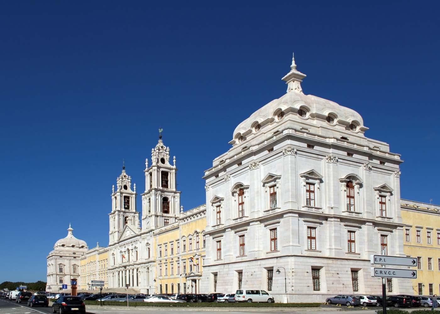 Convento de Mafra na região de Lisboa