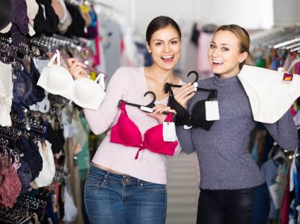 Mulheresem loja de roupa interior barata