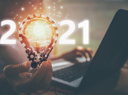 2021 representado com lâmpada e números