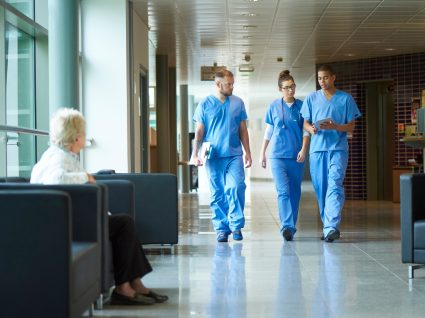 enfermeiros num hospital