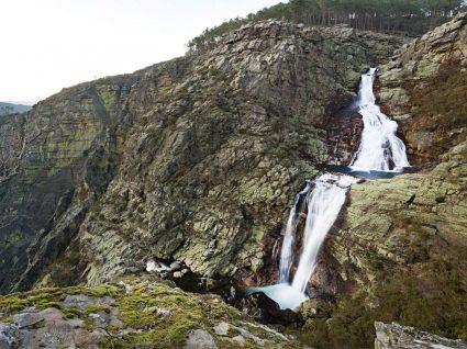 Vista da cascata das fisgas de ermelo