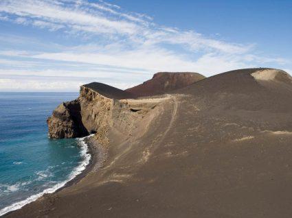 Panorâmica do vulcão dos capelinhos