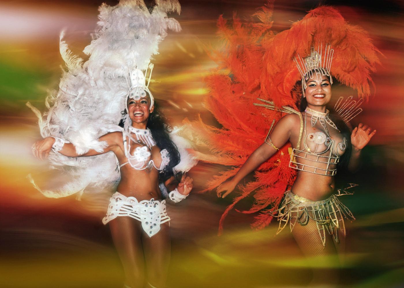 Bailarinas no carnaval de norte a sul