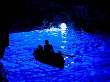 A Gruta azul na ilha de Capri