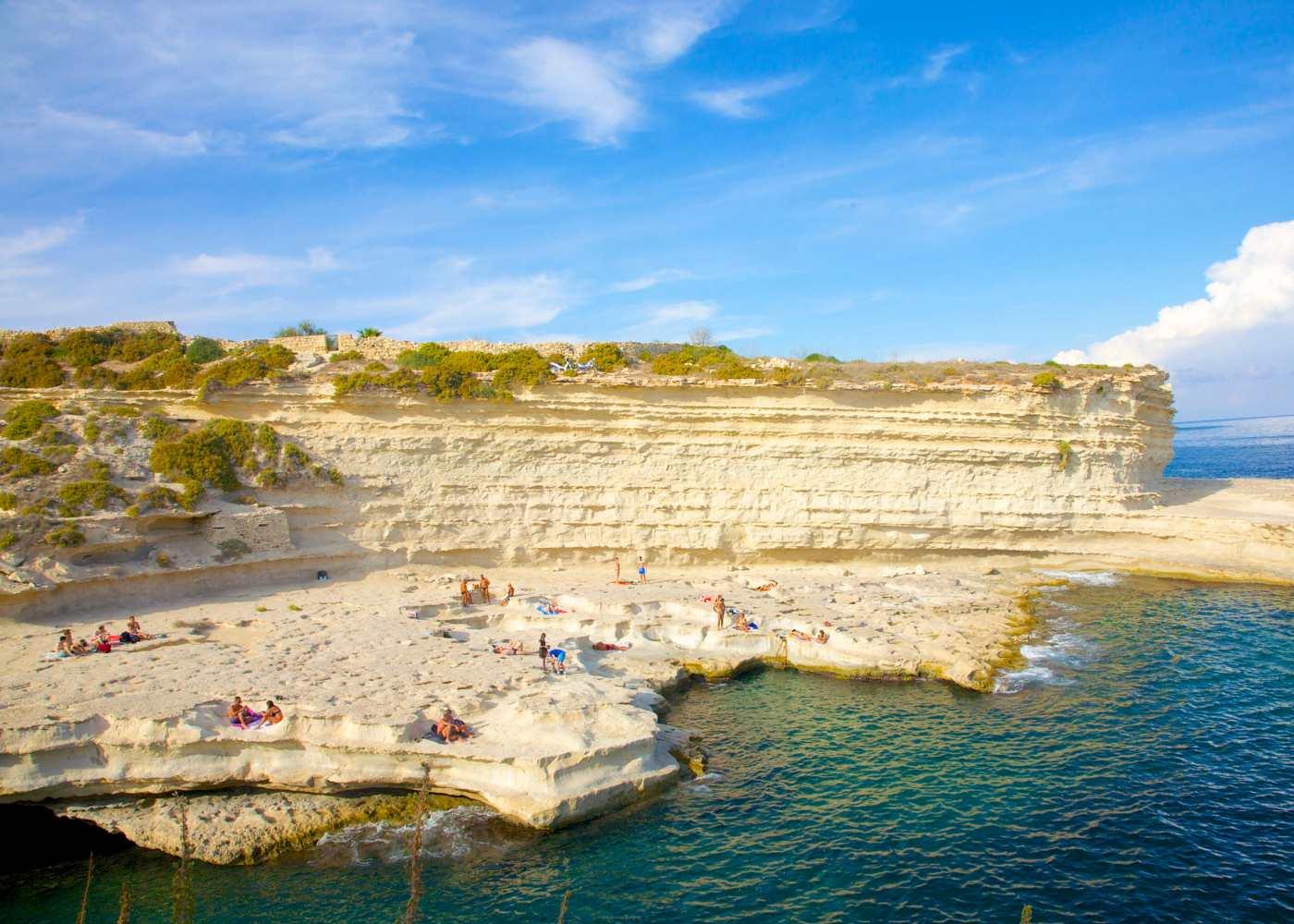 Praia na ilha de Malta