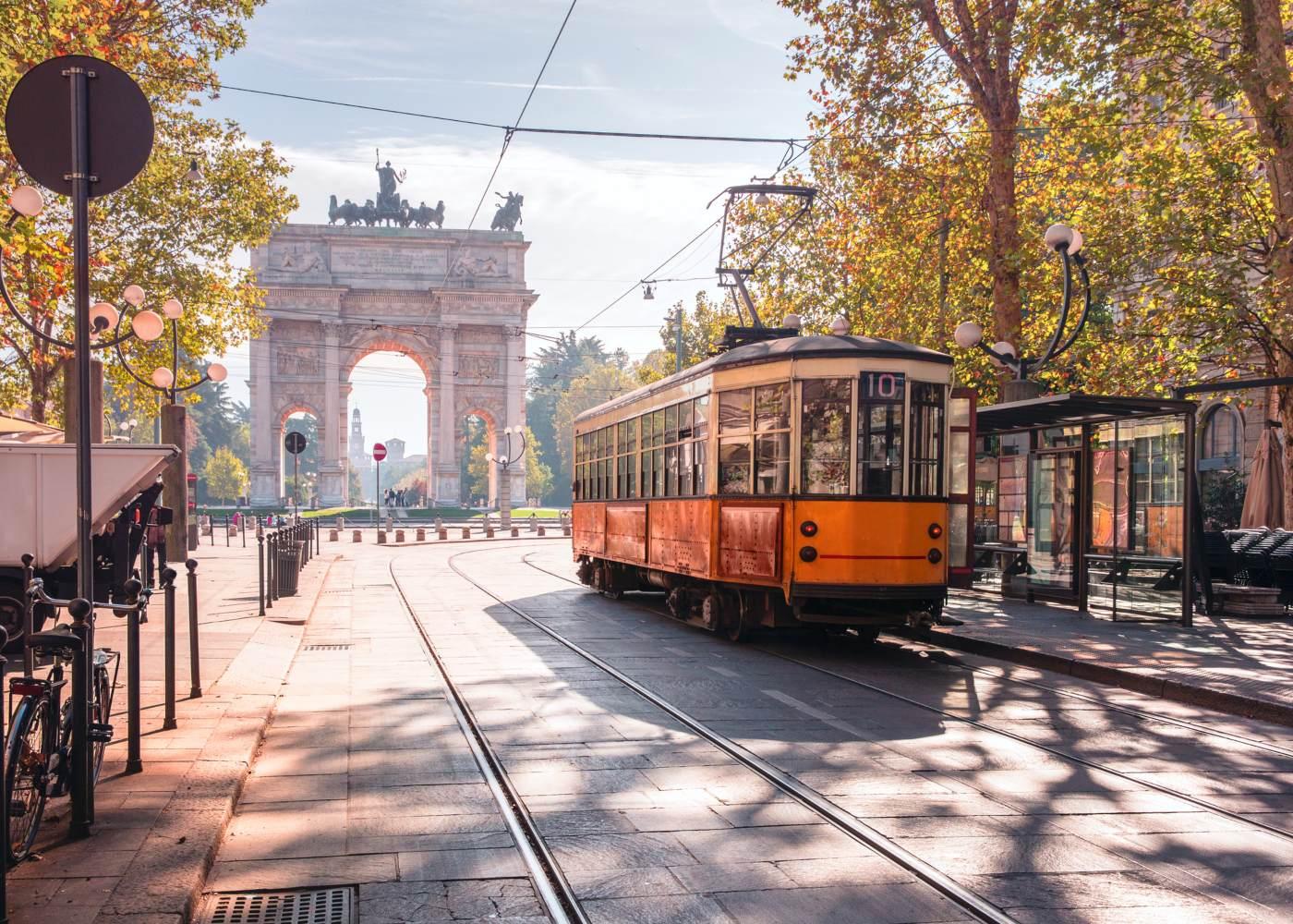 Elétrico nas ruas de Milão