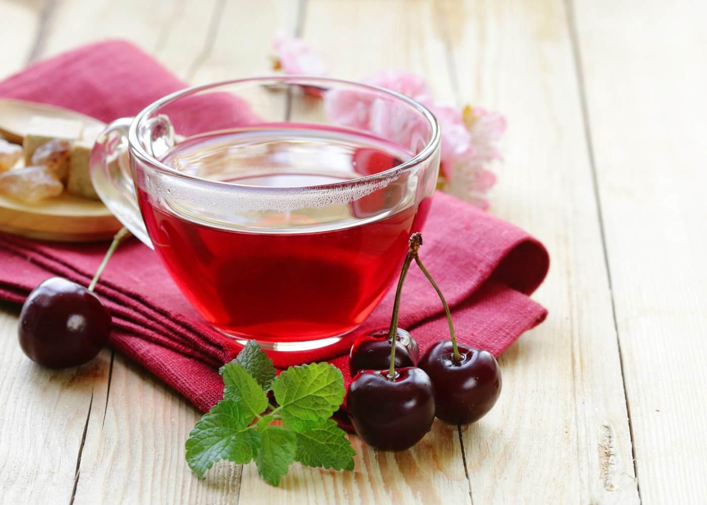 Chá feito com pés de cereja