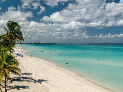 Panorâmica da praia em Varadero