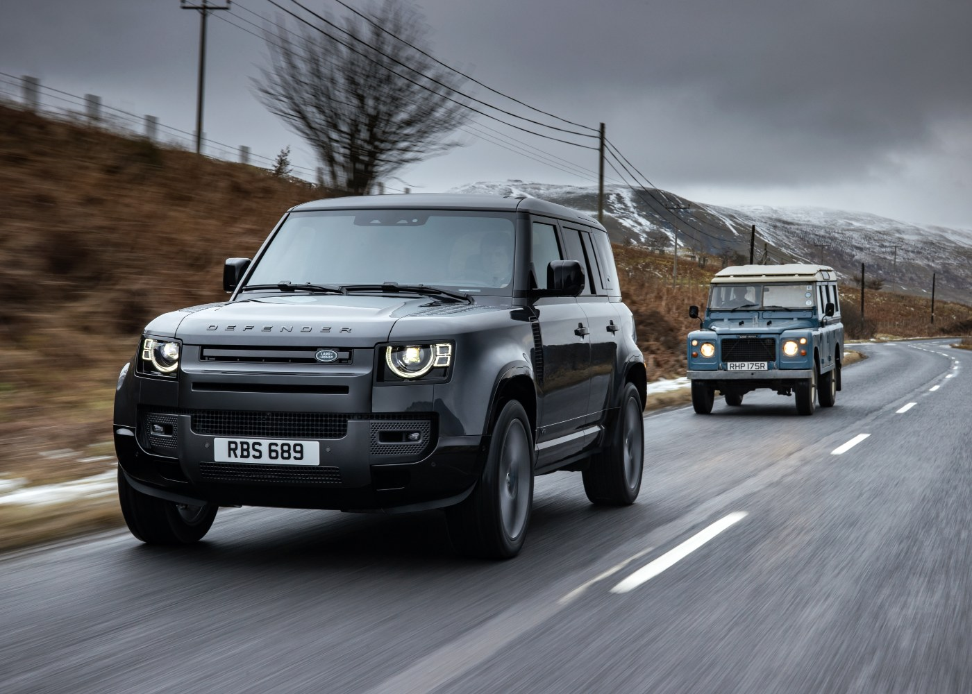Land Rover Defender nomeado para carro do ano 2021