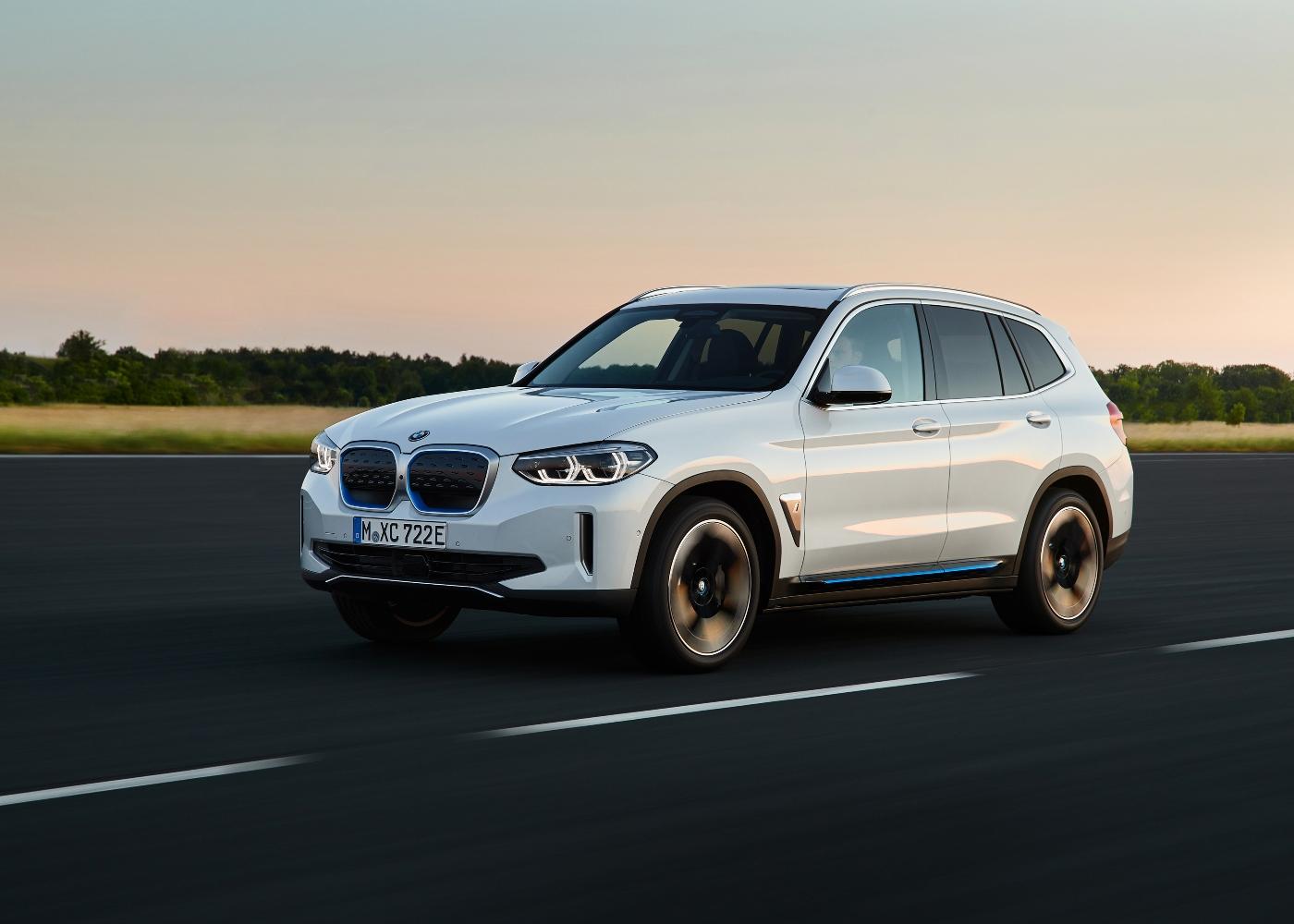 BMW IX3 um dos carros elétricos à venda em Portugal