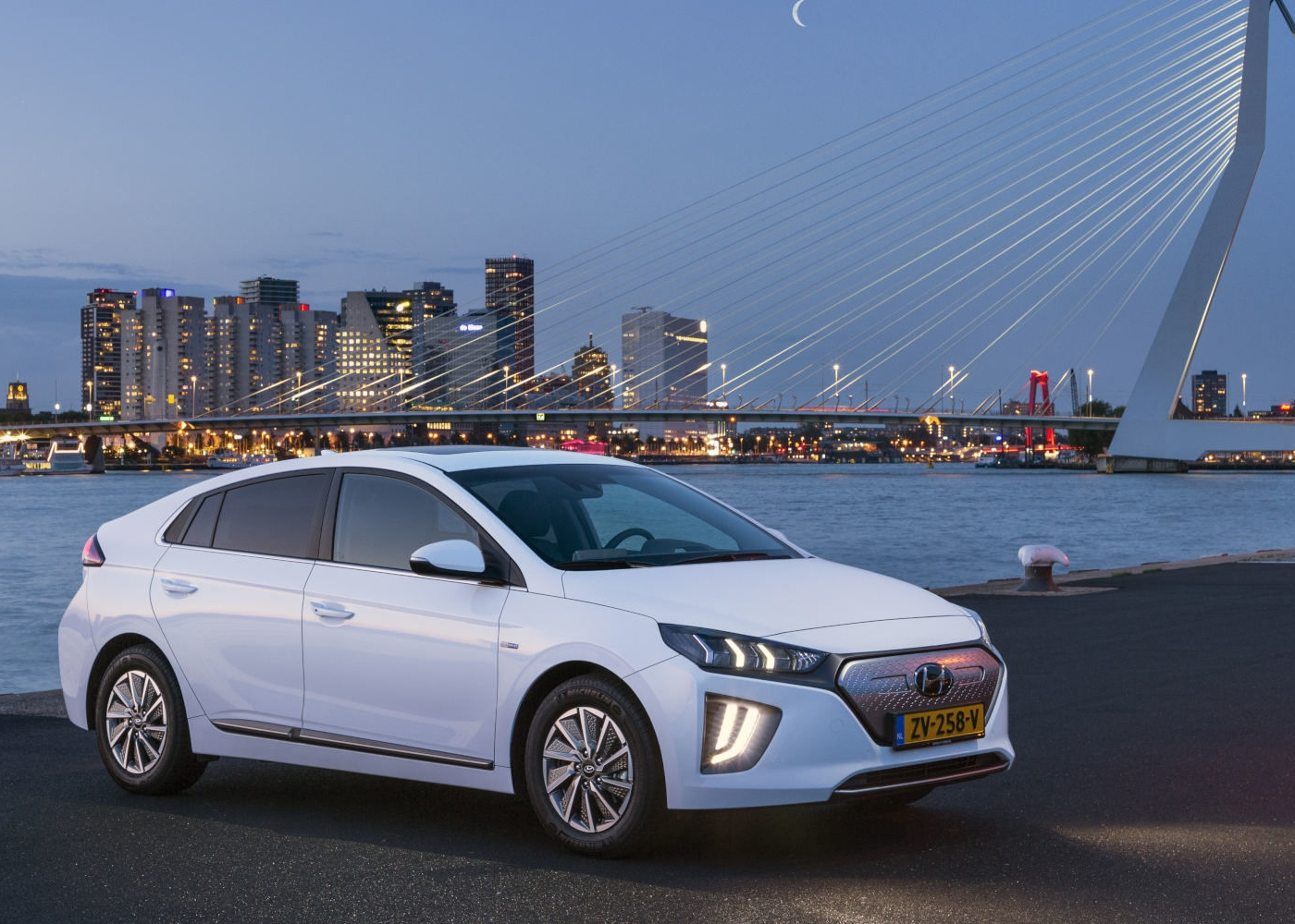 Hyundai Ioniq um dos carros elétricos à venda em Portugal