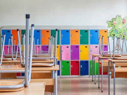 Escolas encerradas devido ao surto de Covid-19