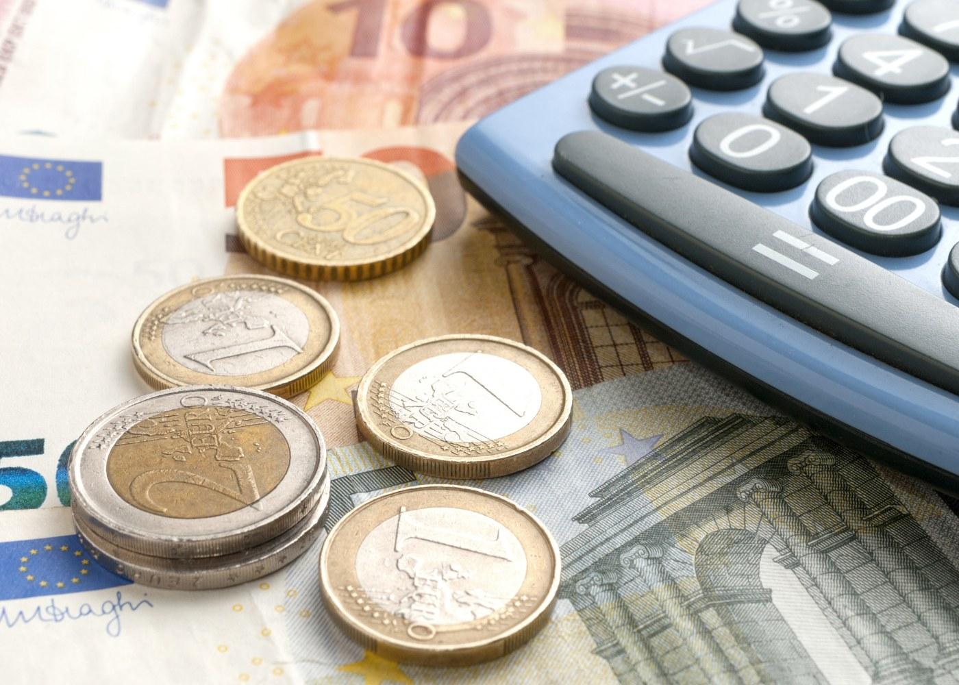 euro moedas notas poupar