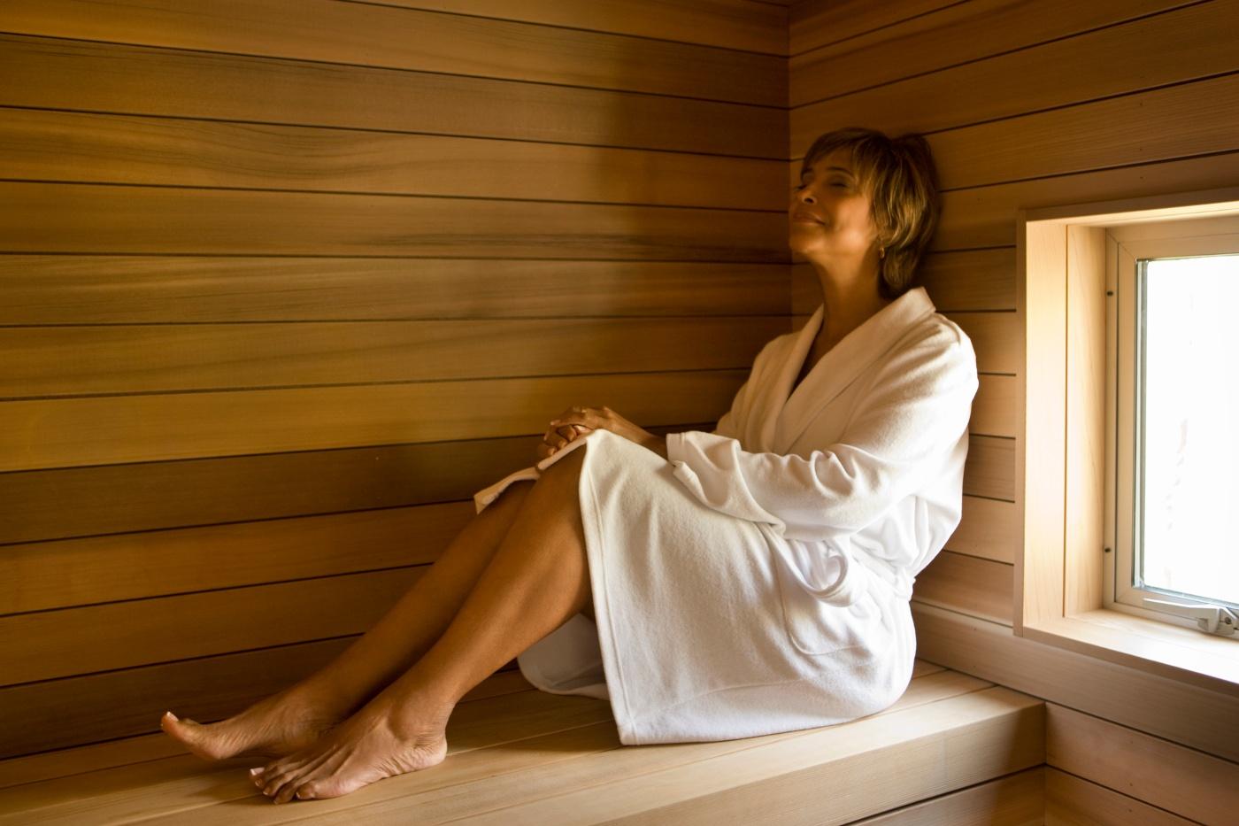 mulher em sauna