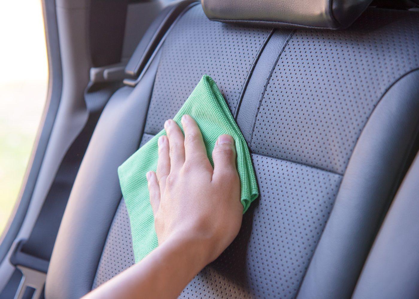 Limpar estofos do carro