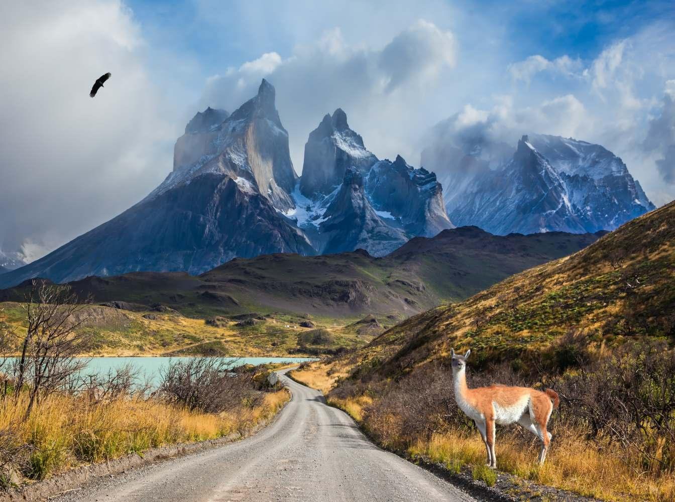 Estrada pelas montanhas no Chile