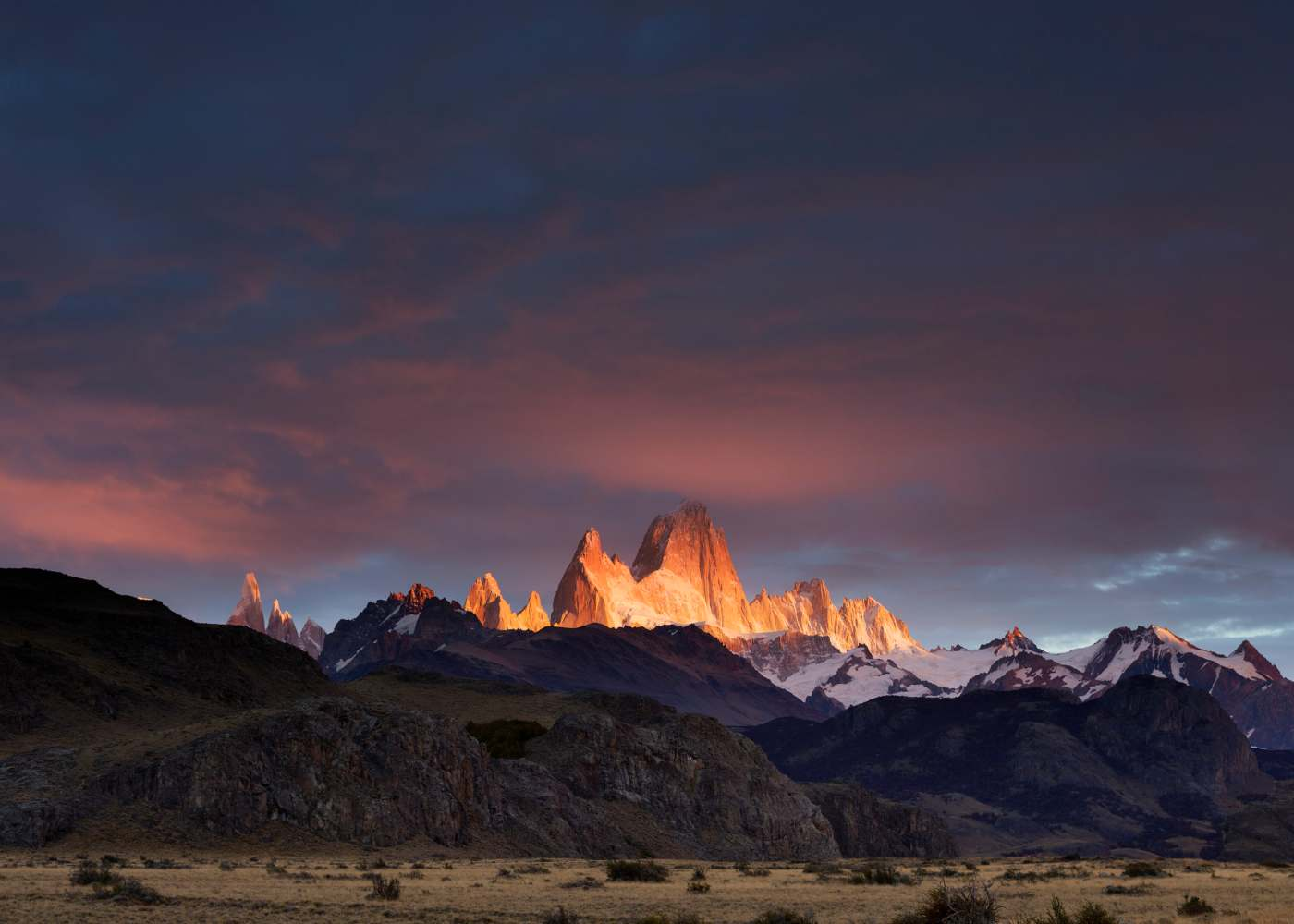 Montanhas da Patagónia ao pôr do sol