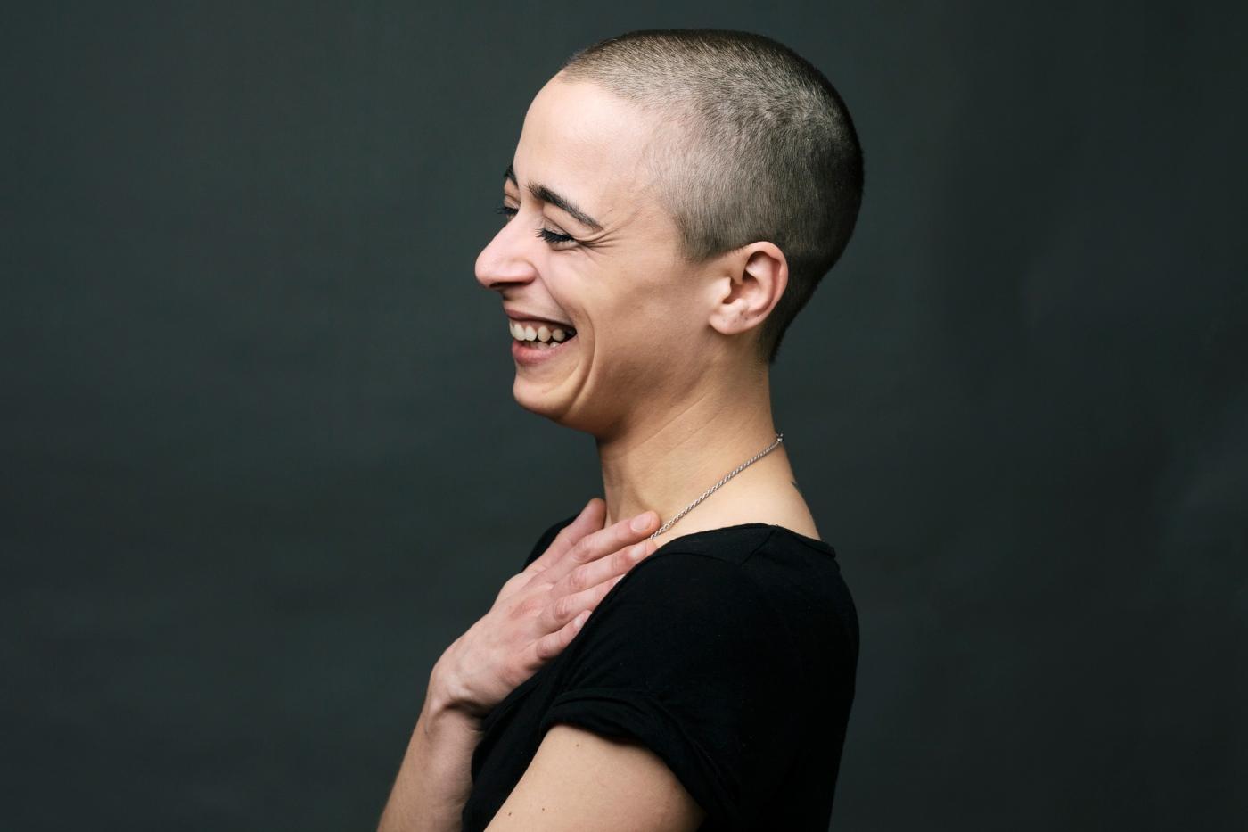 mulher com cancro com risco de covid-19